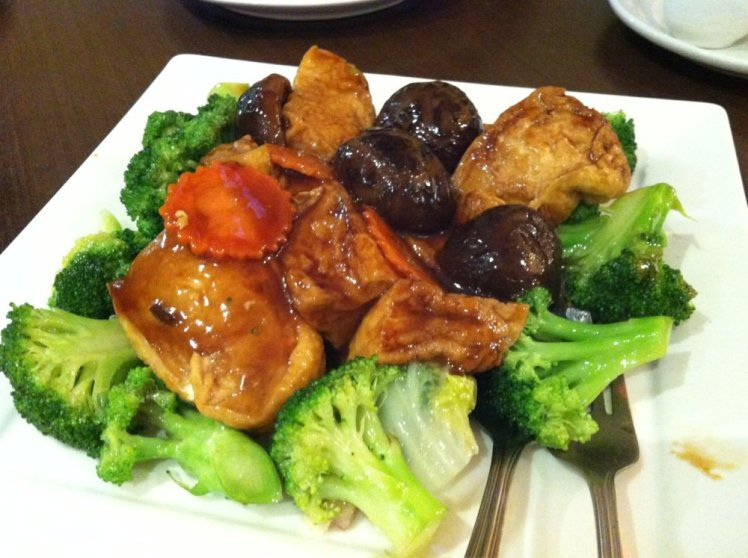 Image Source: https://www.yelp.com/biz_photos/greens-vegetarian-restaurant-toronto?select=PcLRL7tgSVfuKrWuGjB8Bg